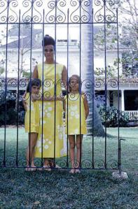 Lilly Pulitzer with daughters